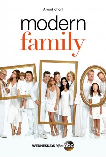 Modern Family Season 9 Disc 1